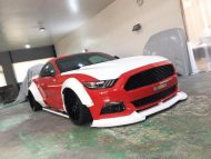 Liberty Walk Widebody Ford Mustang GT VI 3 190x143 In Arbeit   Liberty Walk Widebody Ford Mustang GT (VI)