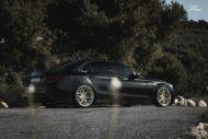 Mercedes C63 AMGs Folierung Z Performance Wheels 4 190x127 Eleganter Stuttgarter   Mercedes C63 AMGs auf 20 Zöllern