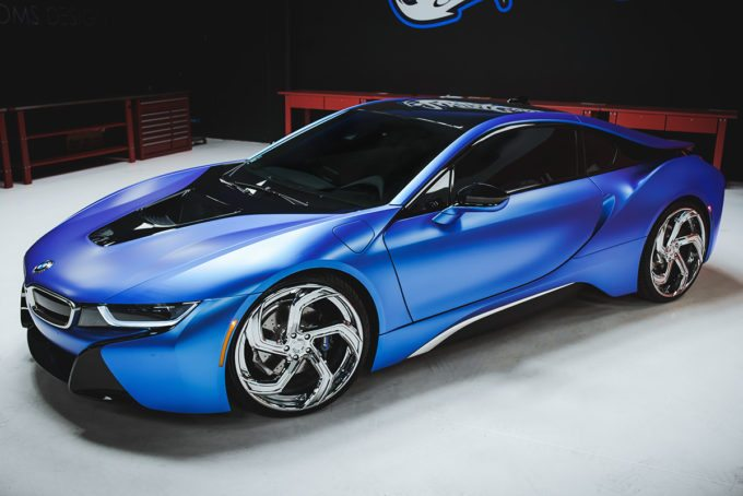West Coast Customs BMW i8 i3 Satin Flip Glacial Frost Tuning 2 West Coast Customs BMW i8 & i3 in Satin Flip Glacial Frost