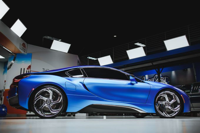 West Coast Customs BMW i8 i3 Satin Flip Glacial Frost Tuning 4 West Coast Customs BMW i8 & i3 in Satin Flip Glacial Frost
