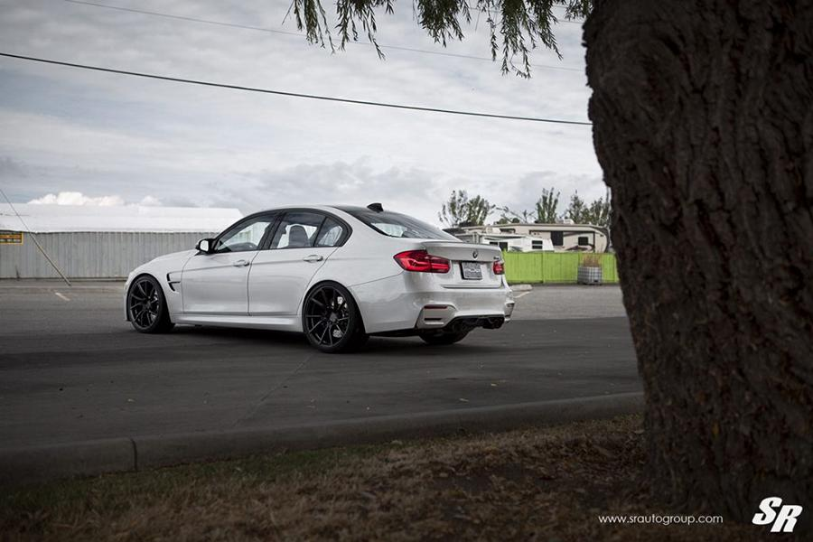 BMW F80 M3 Limo PUR Wheels FL26 Tuning Carbon 5 Weiße BMW F80 M3 Limo auf PUR Wheels FL26 Felgen