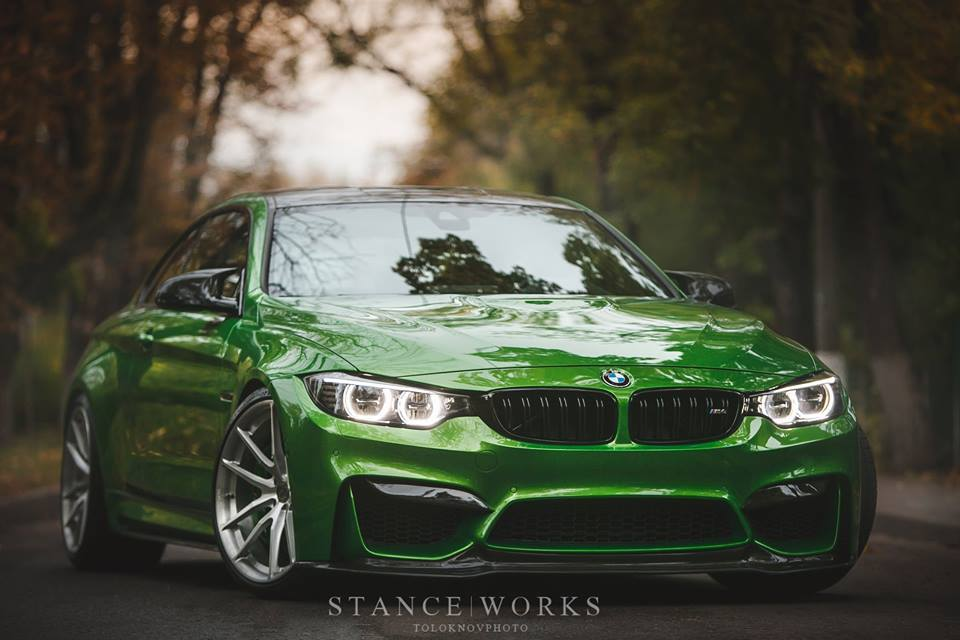 Perfect - Java Green BMW M4 F82 on HRE P104 rims