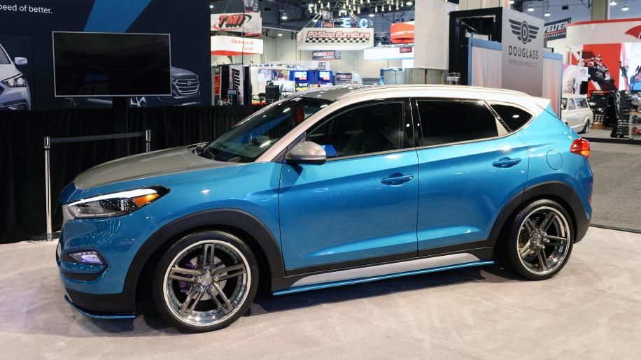 sema vaccar tucson sport concept that 39 s how suv tuning works magazine. Black Bedroom Furniture Sets. Home Design Ideas