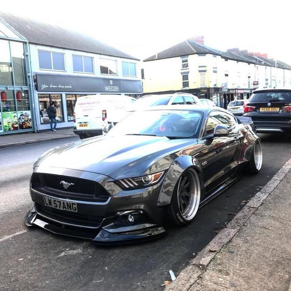 Ford Mustang GT Liberty Walk Widebody Airride Tuning 6 Noch einer Ford Mustang GT mit Liberty Walk Widebody Kit