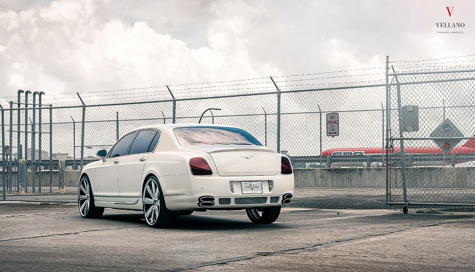 24 Zoll Vellano VKB Felgen Bentley Flying Spur Tuning 2 Mächtig   24 Zoll Vellano VKB Felgen am Bentley Flying Spur