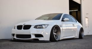 EAS Liberty Walk Widebody BMW E92 M3 Coupe 2 310x165 BMW E92 M3 in alpinweiß auf Vossen Wheels by EAS