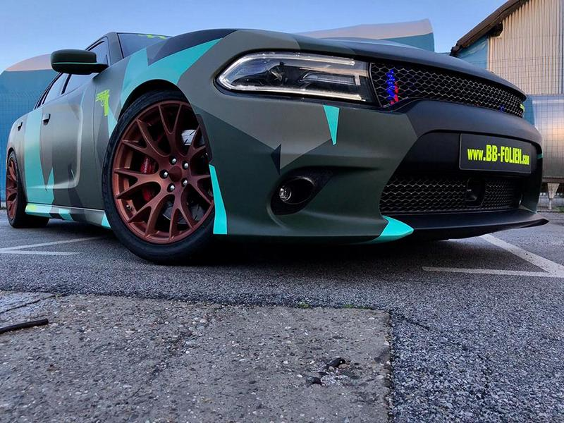 Dodge Charger Vollfolierung Camouflage Tuning 20 Dodge Charger Vollfolierung im schrillen Camouflage Design