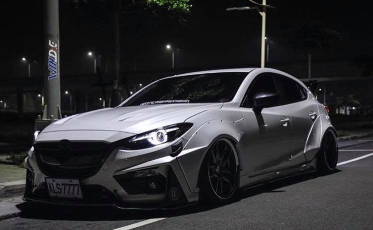 Mazda 3 Widebody Kit JGTC Airride Tuning 1 Mächtiger Style   Mazda 3 mit Widebody Kit von JGTC
