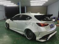 Mazda 3 Widebody Kit JGTC Airride Tuning 11 190x141 Mächtiger Style   Mazda 3 mit Widebody Kit von JGTC