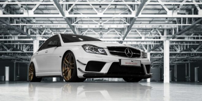 Widebody Mercedes C63 AMG auf Barracuda Shoxx-Felgen