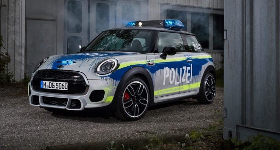 MINI John Cooper Works F56 RETTmobil 2018 Tuning Polizei 11 1 e1526542447878 RETTmobil 2018   Polizei Design am MINI John Cooper Works F56