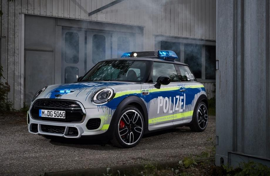MINI John Cooper Works F56 RETTmobil 2018 Tuning Polizei 11 RETTmobil 2018   Polizei Design am MINI John Cooper Works F56