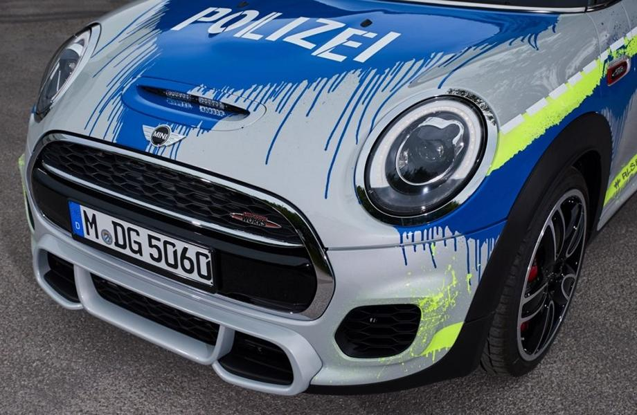 MINI John Cooper Works F56 RETTmobil 2018 Tuning Polizei 8 RETTmobil 2018   Polizei Design am MINI John Cooper Works F56