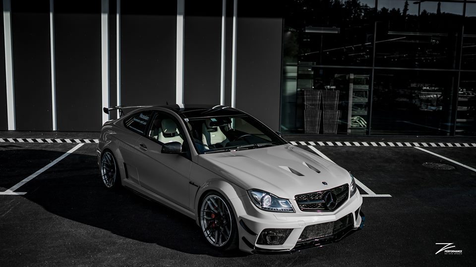 Mercedes C63 AMG BS W204 Z Performance Tuning 1 Mercedes C63 AMG Black Series Style auf Z Performance Felgen
