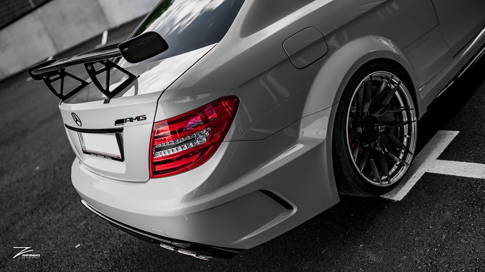 Mercedes C63 AMG BS W204 Z Performance Tuning 5 Mercedes C63 AMG Black Series Style auf Z Performance Felgen