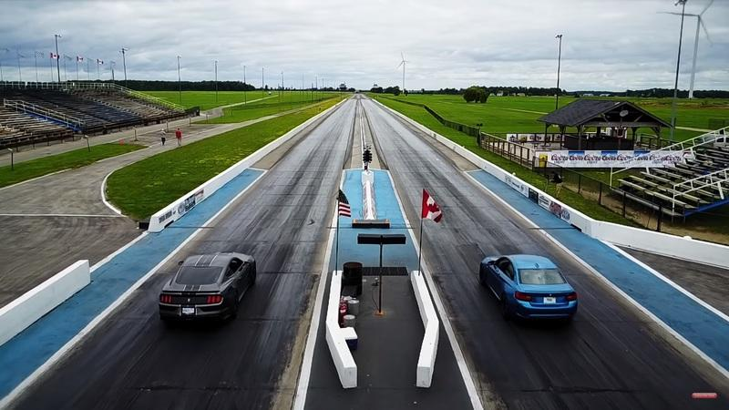 Ford Mustang Shelby GT350 vs. BMW M2 2 Video: Auf dem Track   Ford Mustang Shelby GT350 vs. BMW M2