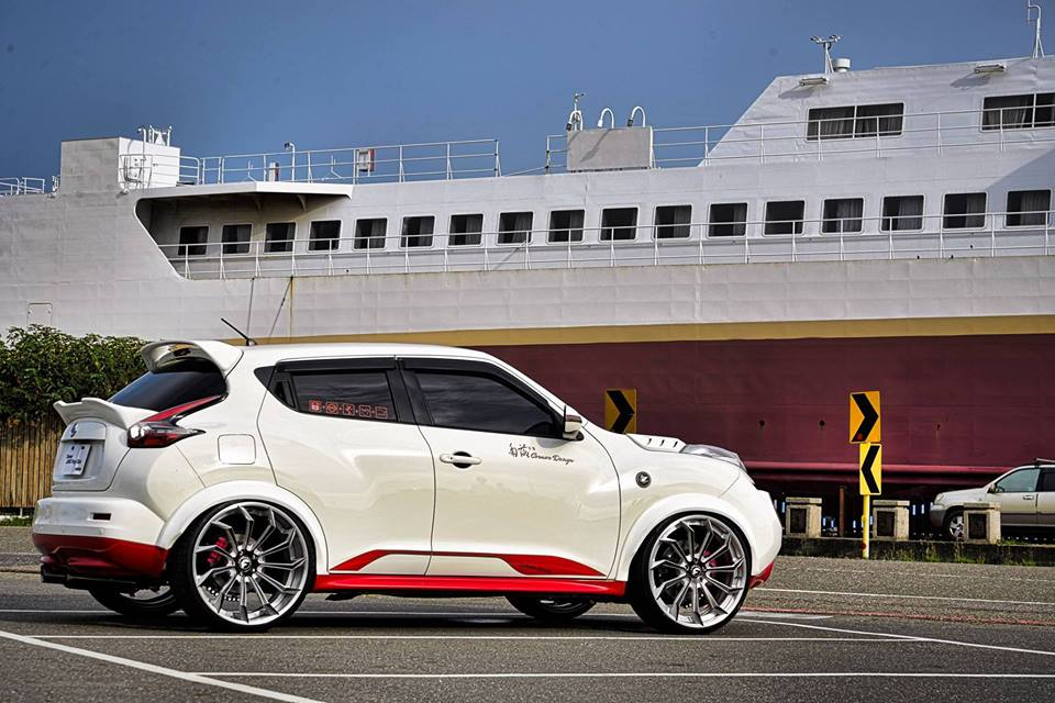 نيسان Juke widebody Forgiato Navaja ECX ضبط 3 madder bucket نيسان Juke Widebody على Forgiato Wheels