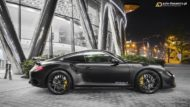 Vossen HC 3 Porsche 991 911 Tuning Turbo 10 190x107 The Dark Knight Returns   Porsche 911 jetzt auf Vossen Wheels