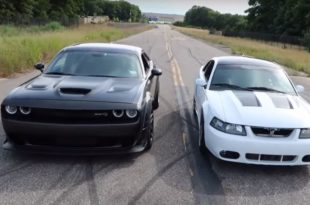 Ford Mustang SVT Cobra vs. Dodge Challenger Hellcat dragrace 2 310x205 Video: Ford Mustang SVT Cobra vs. Dodge Challenger Hellcat