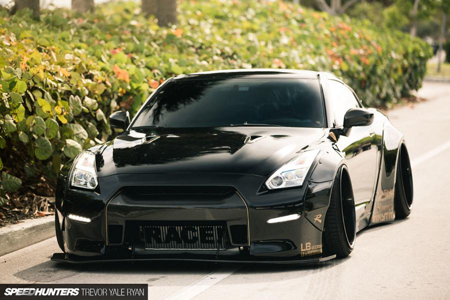 Nissan GT R R35 Widebody Airride Platinum Design Wheels 25 Black Beast: Nissan GT R (R35) Widebody auf 21×13,5 Zöllern
