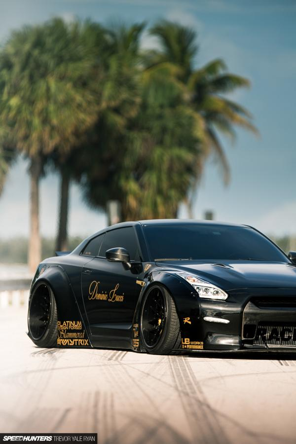 Nissan GT R R35 Widebody Airride Platinum Design Wheels 34 Black Beast: Nissan GT R (R35) Widebody auf 21×13,5 Zöllern