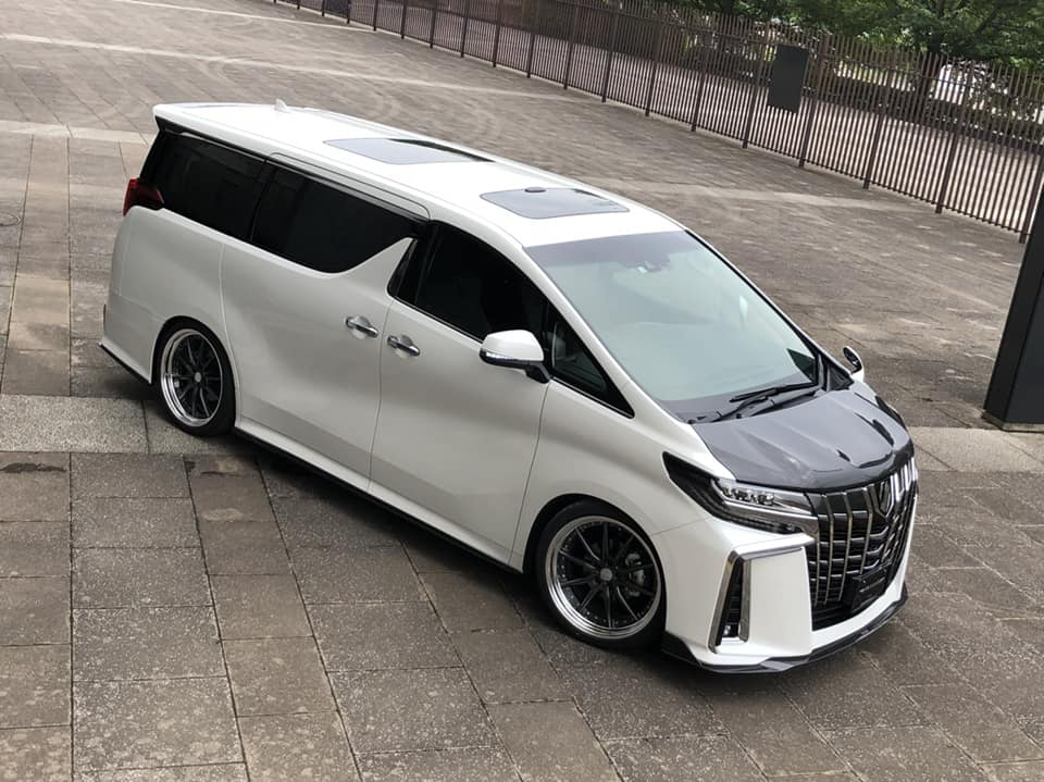 Toyota Alphard Black Label Bodykit Artisan Spirits Tuning 2018 2 Toyota Alphard mit Black Label Bodykit by Artisan Spirits