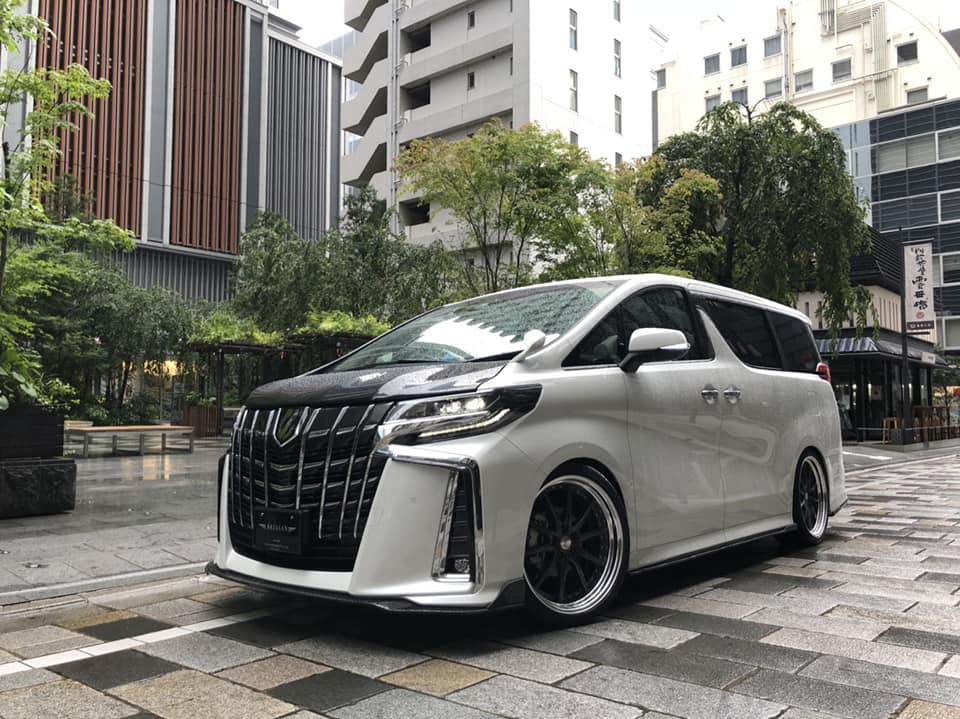 Toyota Alphard Black Label Bodykit Artisan Spirits Tuning 2018 3 Toyota Alphard mit Black Label Bodykit by Artisan Spirits