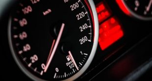 Tachometer Anzeige tuningblog.eu  310x165 Exploring the Technology behind F1 Cars