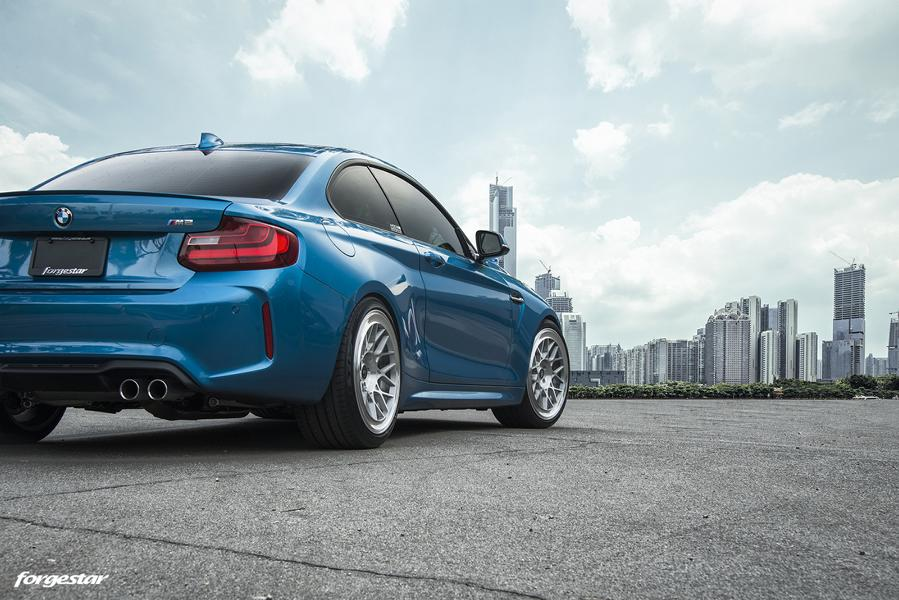 BMW M2 Long Beach Blue Forgestar S18 Felgen 5 BMW M2 (F87) in Long Beach Blue auf Forgestar S18 Felgen