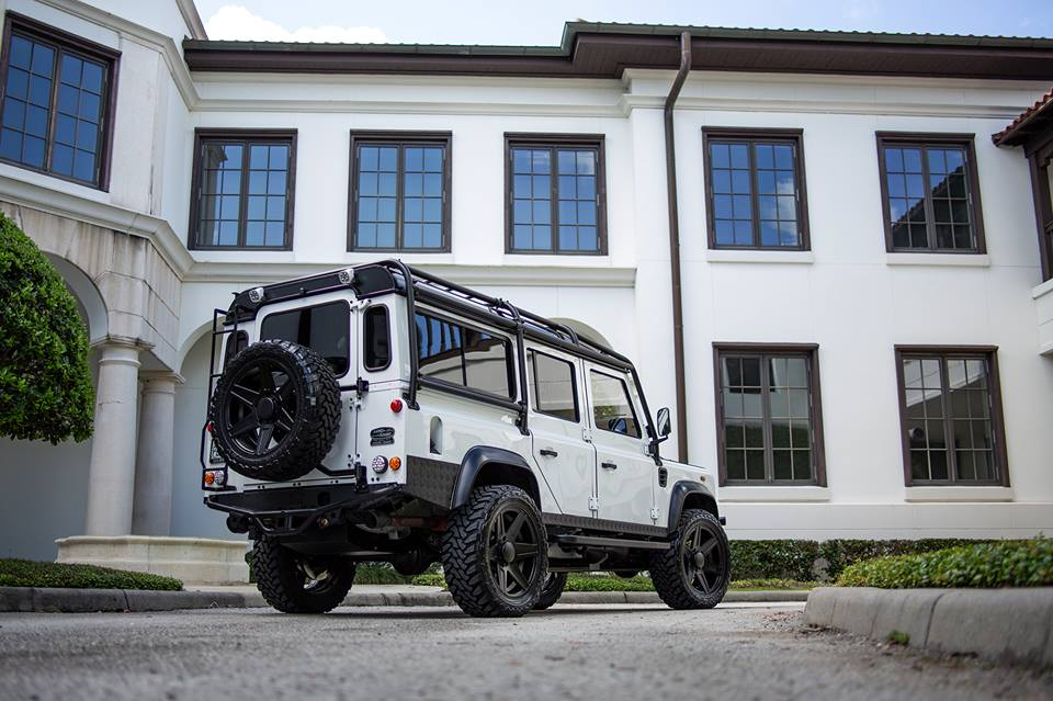 E.C.D. Project Savage Land Rover Defender Tuning LS3 V8 (8)