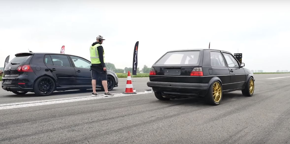 AWD VW Golf V vs Golf 2 Video: 740 PS AWD VW Golf V gegen 736 PS Golf 2 AWD