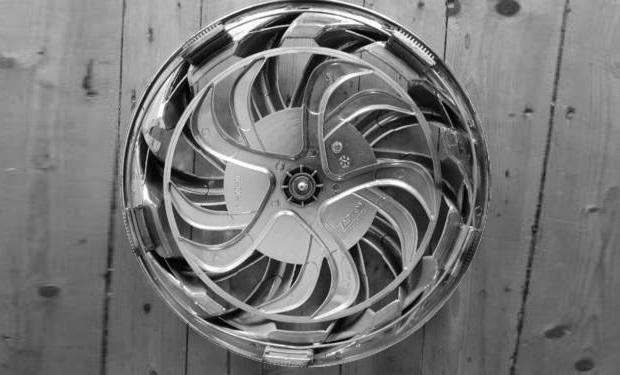 Spinning Wheels Hubcaps Tuning Eye-catcher for Tuning Fans: Spinner Caps Hubcap