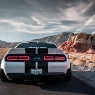 Dodge Challenger Hellcat Widebody Clinched Ferrada Wheels Mopar 2 190x190 Mega breit: Dodge Challenger Hellcat Widebody by Clinched