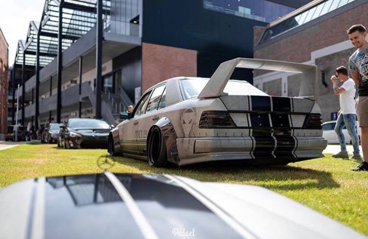 Widebody Mercedes 200E W124 BMW M50 Triebwerk Tuning 16 Widebody Mercedes 200E (W124) mit BMW M50 Triebwerk