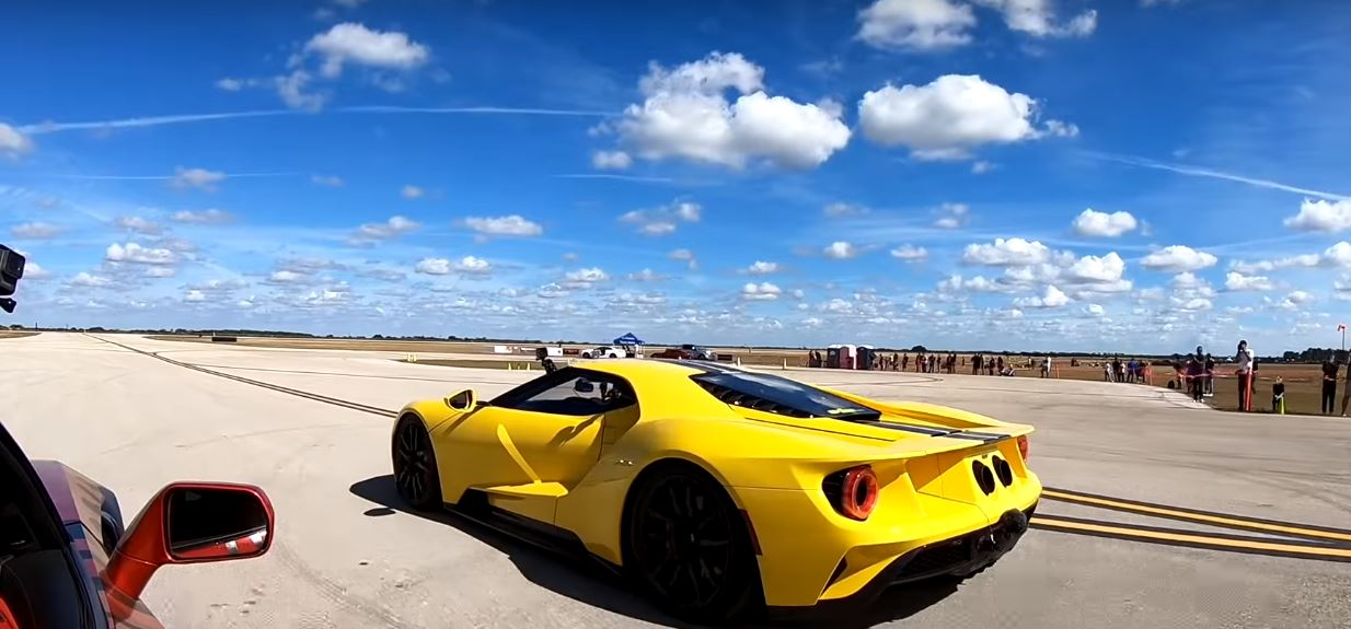 Ford GT Dragrace 2019 Corvette ZR1 Video: Brutal   Ford GT gegen getunte 2019 Corvette ZR1