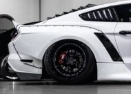 Widebody Ford Mustang GT clinched savini Airride 4 190x136 Black & White   Widebody Ford Mustang GT mit Airride
