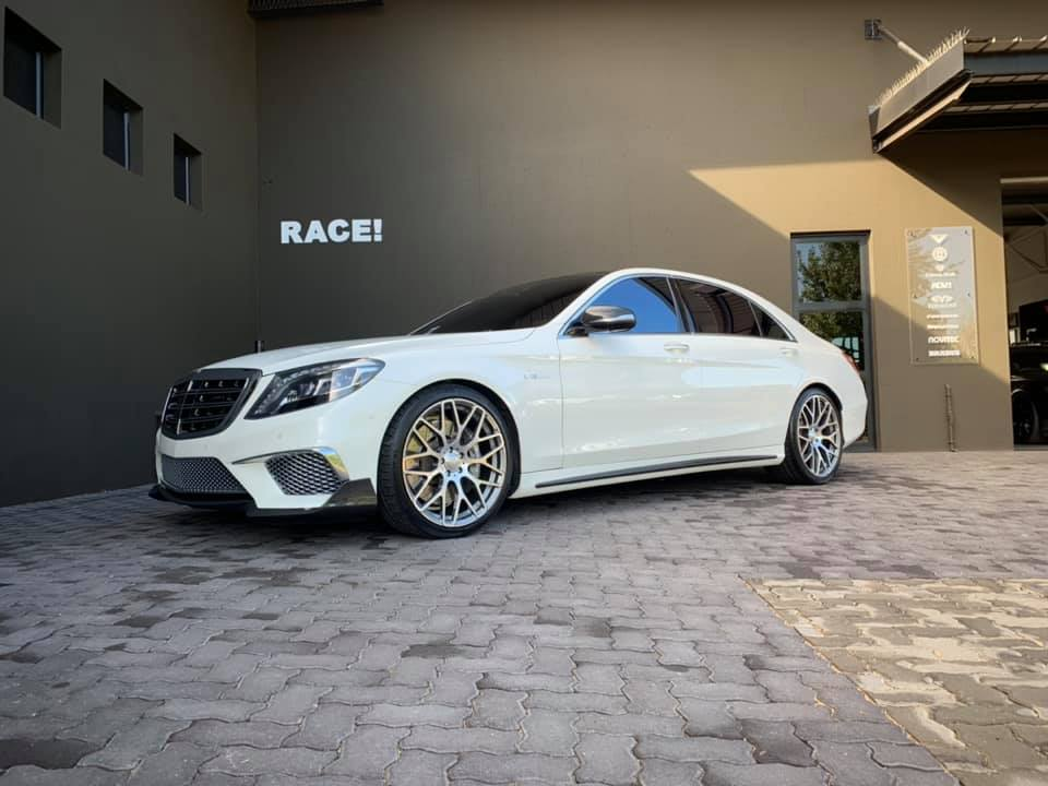 W222 Mercedes S65L AMG Brabus Tuning Bodykit 1 Mercedes S65L AMG mit Brabus Parts von RACE! South Africa