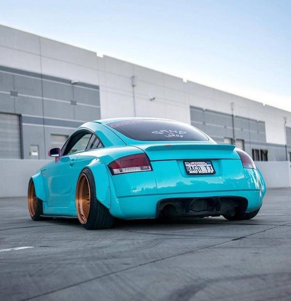 Clinched Widebody Audi TT 8N Hellblau Tuning 1 Unübersehbar   Clinched Widebody Audi TT in Hellblau