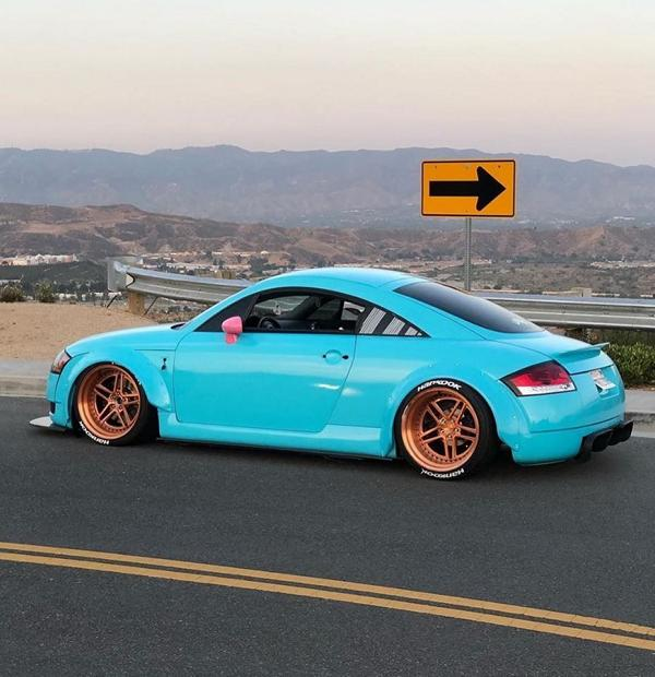 Clinched Widebody Audi TT 8N Hellblau Tuning 2 Unübersehbar   Clinched Widebody Audi TT in Hellblau