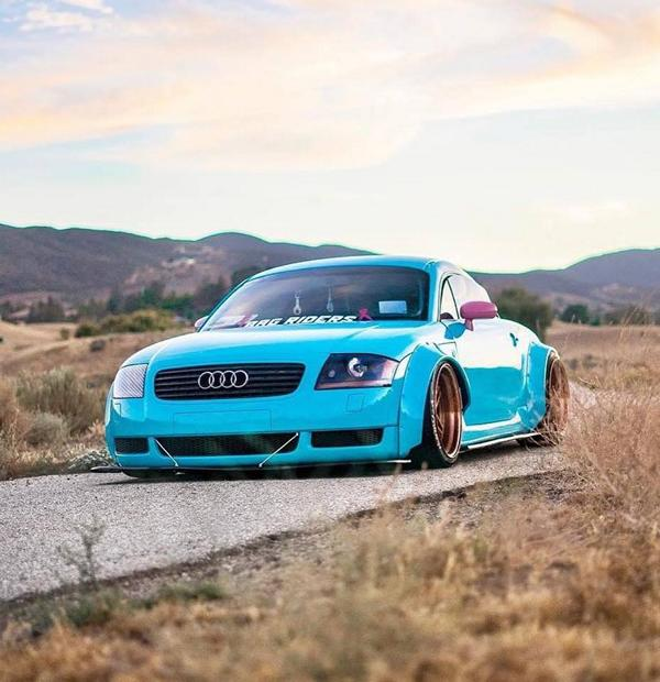 Clinched Widebody Audi TT 8N Hellblau Tuning 3 Unübersehbar   Clinched Widebody Audi TT in Hellblau
