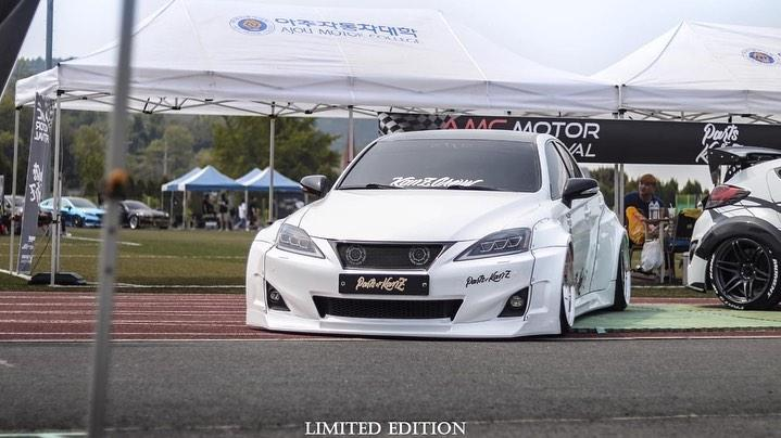 Clinched Widebody Lexus 2is Limo Tuning 3 Brutal breit & tief: Clinched Widebody Lexus 2is Limo