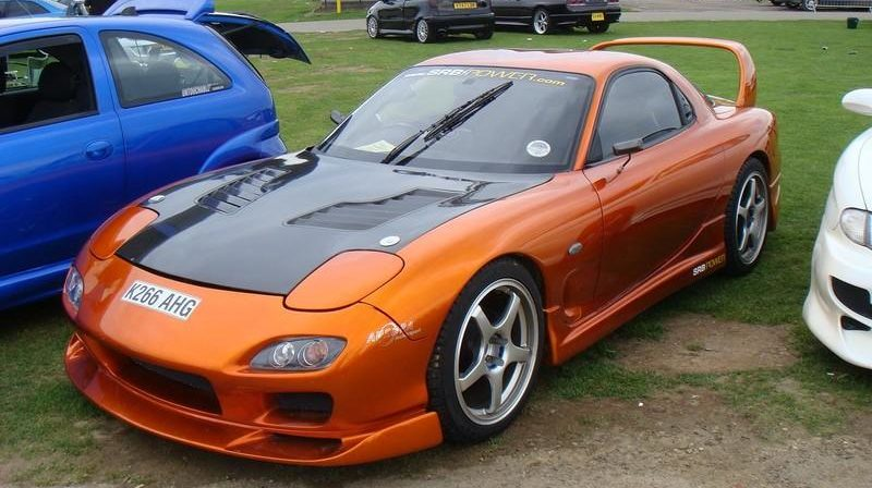 Tuning legend from Japan - the Mazda RX7 Coupe