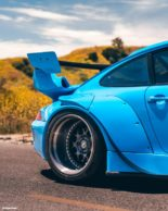 RWB Widebody Porsche 993 Turbo Riviera Blue Forgestar Tuning 12 155x194 Heftig: RWB Widebody Porsche 993 Turbo in Riviera Blue