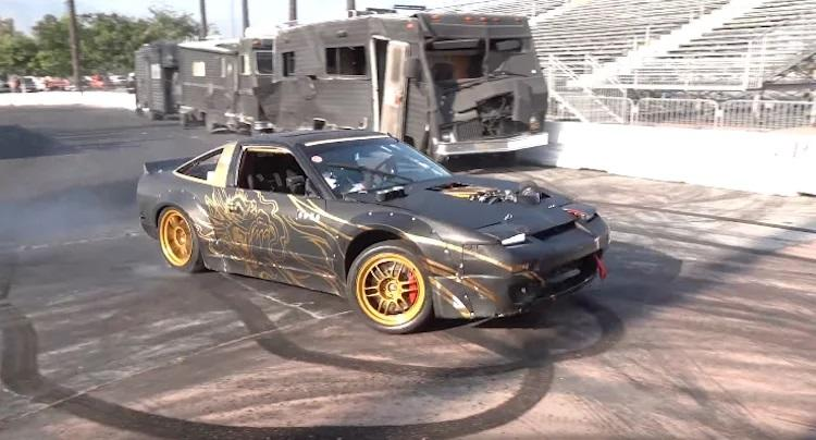 600 PS LS V8 Nissan 240 SX Widebody Video: Mit Anzug im 600 PS LS V8 Nissan 240 SX Widebody