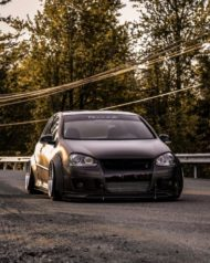 VW Golf 5 MKV Clinched Widebody Tuning 1 190x238 Fett: VW Golf 5 (MKV) mit Clinched Widebody Aufsätzen
