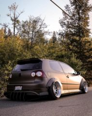 VW Golf 5 MKV Clinched Widebody Tuning 23 190x238 Fett: VW Golf 5 (MKV) mit Clinched Widebody Aufsätzen