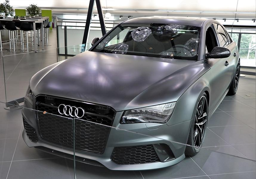 Audi RS 8 RS8 Tuning D4 4H 1 Prototyp in mattschwarz: Audi RS 8 Limo auf Basis D4 (4H)
