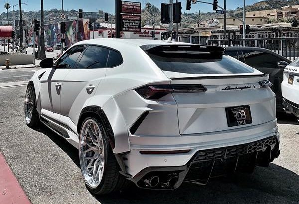 Tuning V2 1016 Industries Widebody Kit Lamborghini Urus 1 e1562138429409 V2 1016 Industries Widebody Kit am Lamborghini Urus