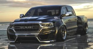 2019 ram 1500 makes a cool low riding abomination rendering 138096 1 310x165 Rendering: 2019 Ram 1500 Widebody Pickup mit Airride