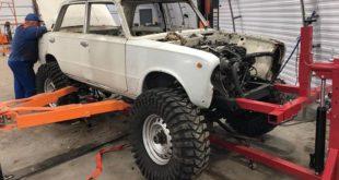 Lada Monster Truck V8 Tuning e1571804279714 310x165 Video: Mächtiges Teil   Lada Monster Truck auf 37 Zöllern